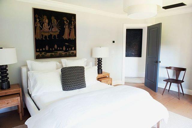 A beautiful place to open your eyes every morning.  Design by @aliciamurphydesign . . . #aliciamurphydesign #custominteriors #homesweethome #luxuryliving #hamptonshome #homestyle #modernhomes #styleathome #homedecor #customdesign #designandbuild #customfurniture #creativityfound #designdetails #interiordetails #homedesign #homerenovation #flashesofdelight #cozyhome #interiorstyling #dayinthelife #interiordesignerlife #nycinteriordesign #customhomes #customlifestyle #homestyling #ihaveathingwithfloors #bedroomdesign #bedroomdecor #dreambedroom