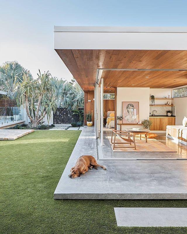 The perfect house to enjoy a lazy day.  Via @theartprintstore / 📸: @andymacphersonstudio . . . #aliciamurphydesign #custominteriors #homesweethome #luxuryliving #hamptonshome #homestyle #modernhomes #styleathome #homedecor #customdesign #designandbuild #customfurniture #creativityfound #designdetails #interiordetails #homedesign #homerenovation #flashesofdelight #cozyhome #interiorstyling #dayinthelife #interiordesignerlife #nycinteriordesign #customhomes #customlifestyle #homestyling #ihaveathingwithfloors #modernarchitecture #cutedogsofinstagram #openplanhome
