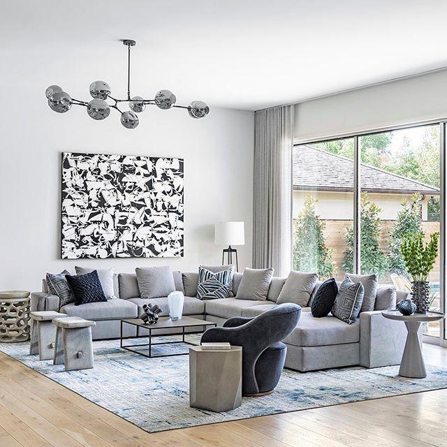 Well-placed patterns to make the space pop. Great work, @benjaminjohnstondesign!  Via @starkcarpet / 📸: @juliesoefer . . . #aliciamurphydesign #custominteriors #homesweethome #luxuryliving #hamptonshome #homestyle #modernhomes #styleathome #homedecor #customdesign #designandbuild #customfurniture #creativityfound #designdetails #interiordetails #homedesign #homerenovation #flashesofdelight #cozyhome #interiorstyling #dayinthelife #interiordesignerlife #nycinteriordesign #customhomes #customlifestyle #homestyling #ihaveathingwithfloors #modernlivingroom #livingroomdesign #livingroomdecor