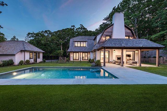 Backyards in the Hamptons are in a league of their own.  Via @hamptonsmag . . . #aliciamurphydesign #custominteriors #homesweethome #luxuryliving #hamptonshome #homestyle #modernhomes #styleathome #homedecor #customdesign #designandbuild #customfurniture #creativityfound #designdetails #interiordetails #homedesign #homerenovation #flashesofdelight #cozyhome #interiorstyling #dayinthelife #interiordesignerlife #nycinteriordesign #customhomes #customlifestyle #homestyling #ihaveathingwithfloors #backyarddesign #thehamptons #newyorkhomes