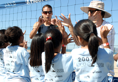Pro Beach Champion Angie Acres teaches at 2007 Sinjin Smith Kids Clinic