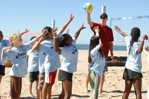 Former Team USA member and Pro Beach Player Chris Harger has given his time to teaching kids at the Jayo for over a decade! Check out his US National Championship club for kids. Click Here:  SPECTRUM