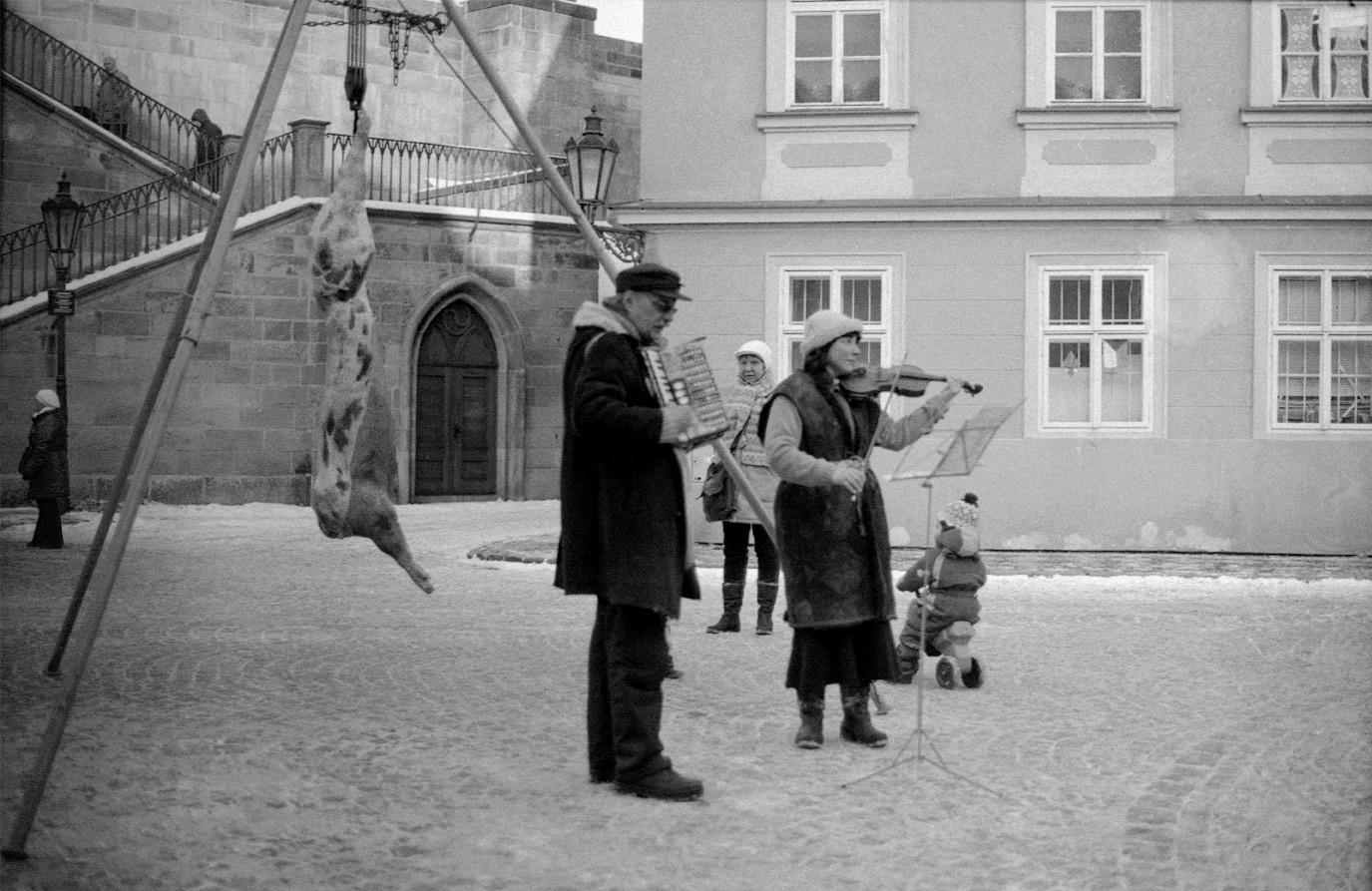 Street performers in Prague, Czech Republic. 2012