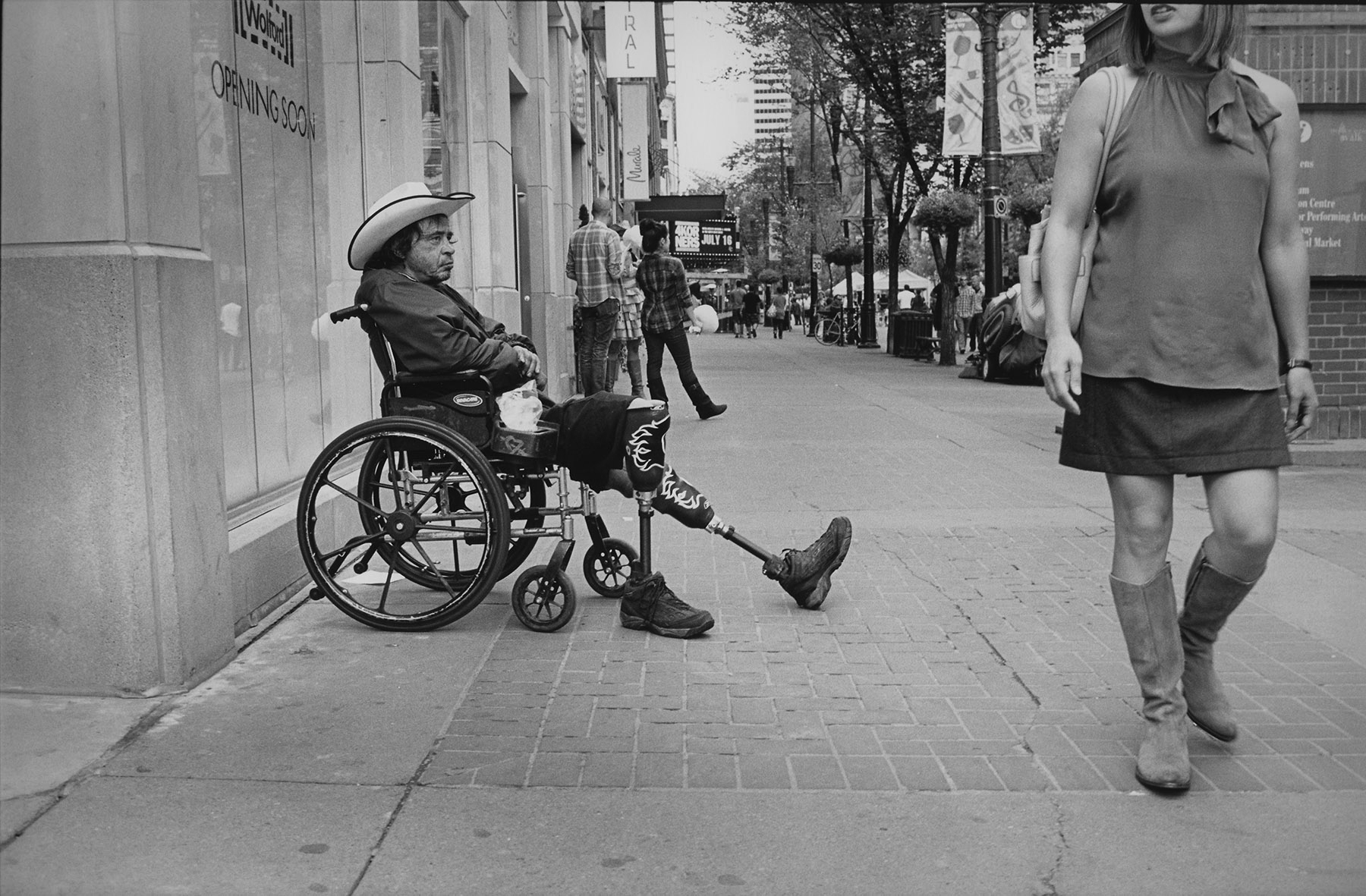 wheelchair guy and girl.jpg