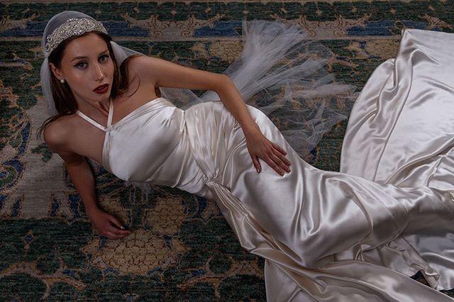 Tatyana dress in silk crepe satin🌟 #adelaisbride #silkweddingdress #1920sfashion #vintagebride #weddingseason #shesaidyes #loveintentionally #featuremeoncewed #smpweddings #loveauthentic #destinationwedding #stylemepretty #huffpostido #weddingchicks #weddingwire #weddinginspo #greenweddingshoes #couplesgoals #bridalmusings