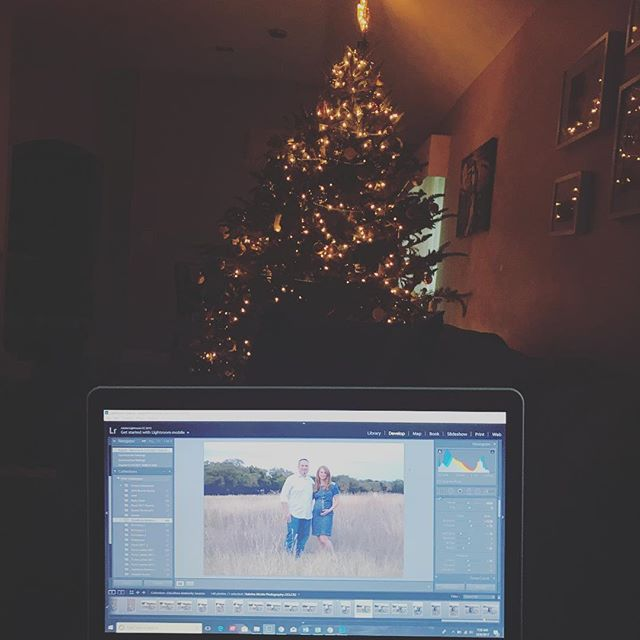 "Editing photos early in the morning with my Christmas tree lighting up the room, is an awesome morning in the ""office"" ☺️🎄#ilovechristmas"