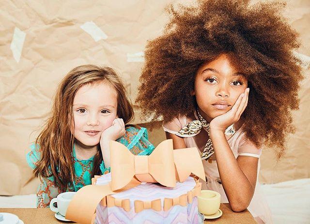 Paper playhouse for @babiekinsmag 🧡🎀 Photo @erickamccfoto  HMU @prestonenesbithairandmakeup  Stylist @rachies  Set and props- me! @andreanybergstylist