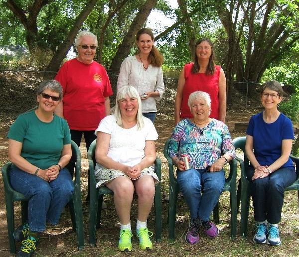 Very happy weavers on lunch break outside my studio: Front row: Maddie, Marilyn, Ann, Marcia Back row: Lavonne, Debbie, Leslie