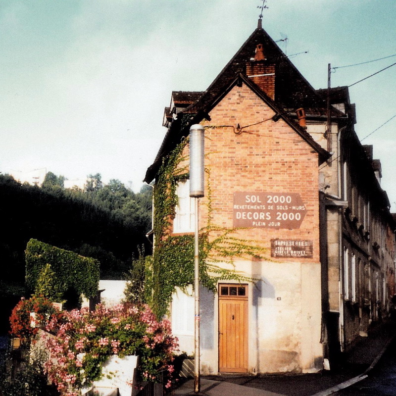 Building housing atelier. Gisèle Brivet. Photo credit: Elizabeth J. Buckey © 1994