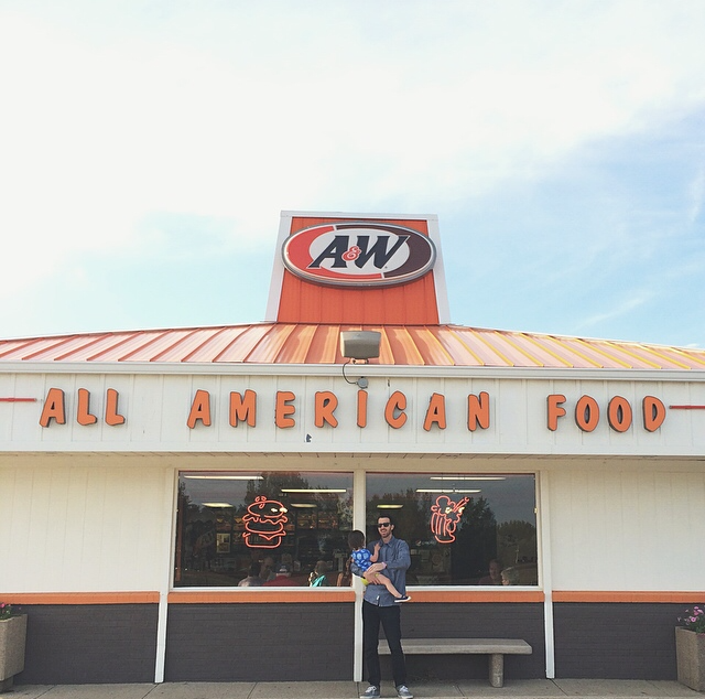 It has become our  family tradition  to stop at A&W in Emmetsburg on our drive up. It's a 3.5-hour drive total and A&W is right at the 2.5-hour mark when we're getting hangry and need a break. We don't have an A&W near us so this totally feels like a splurge and the perfect way to start our vacation. (I get the corn dog with cheese curds and root beer in a mug. Yum.)