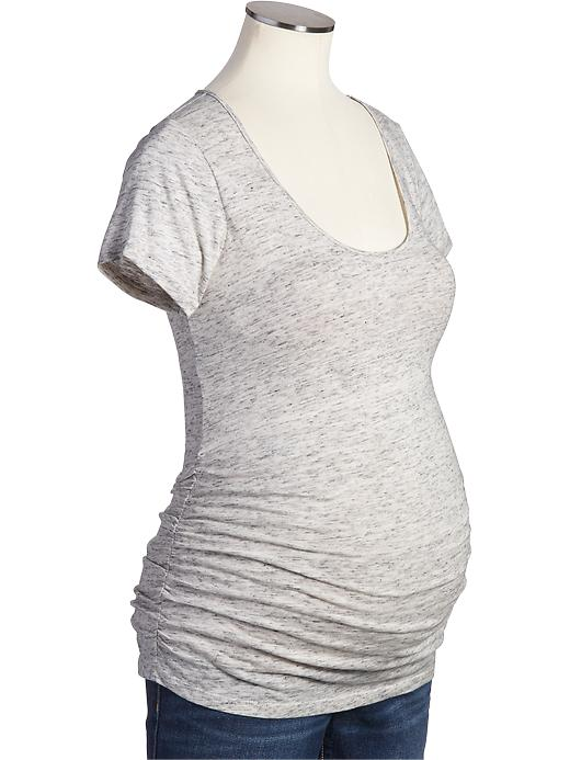 Old Navy scoop neck T-shirt : I'm just living in T-shirts and skinny jeans over here.