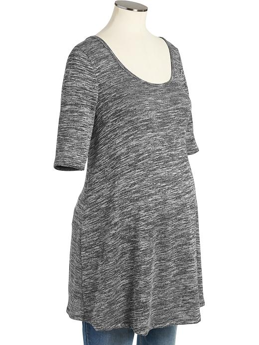 Long flowy dress (  similar    ):  I have a dress similar to the one pictured and it's one of the few things I'm still wearing from my first pregnancy ( worn here ). (I wear it when I'm not pregnant, too! )