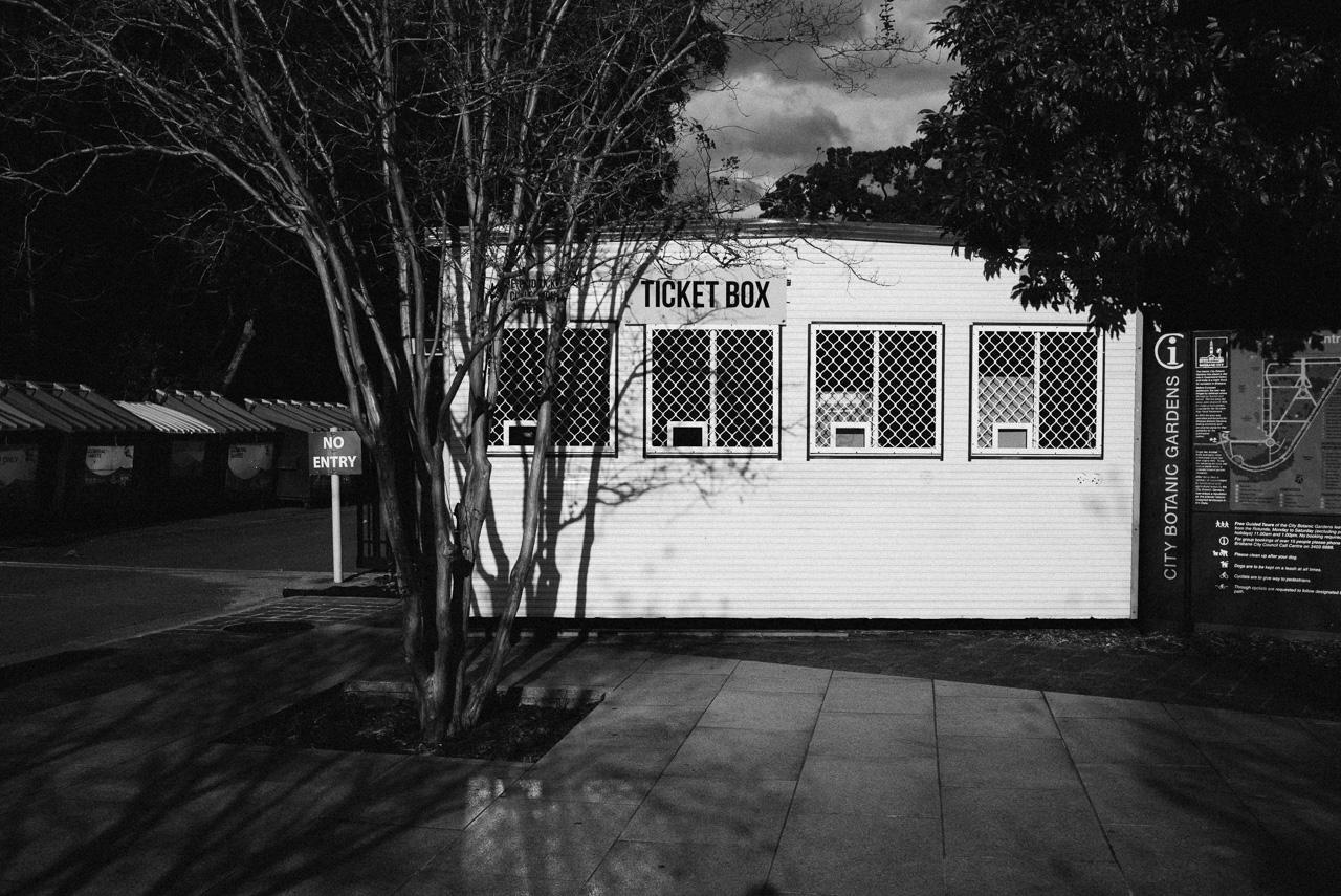 Nick-Bedford-Photographer-160620-150042-35mm Summarit, Brisbane, Leica M Typ 240, Street Photography, VSCO Film.jpg