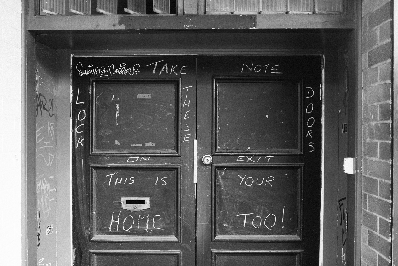 Nick-Bedford-Photographer-20160813-L1005192-Black and White, Brisbane, Leica M Typ 240, Street Photography, Summarit 35mm, VSCO Film.jpg