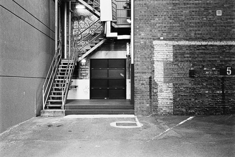 Love these little alleyways.