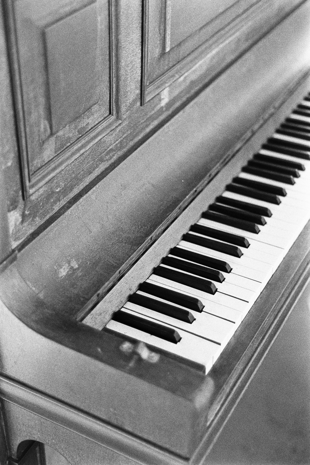 That West End piano.