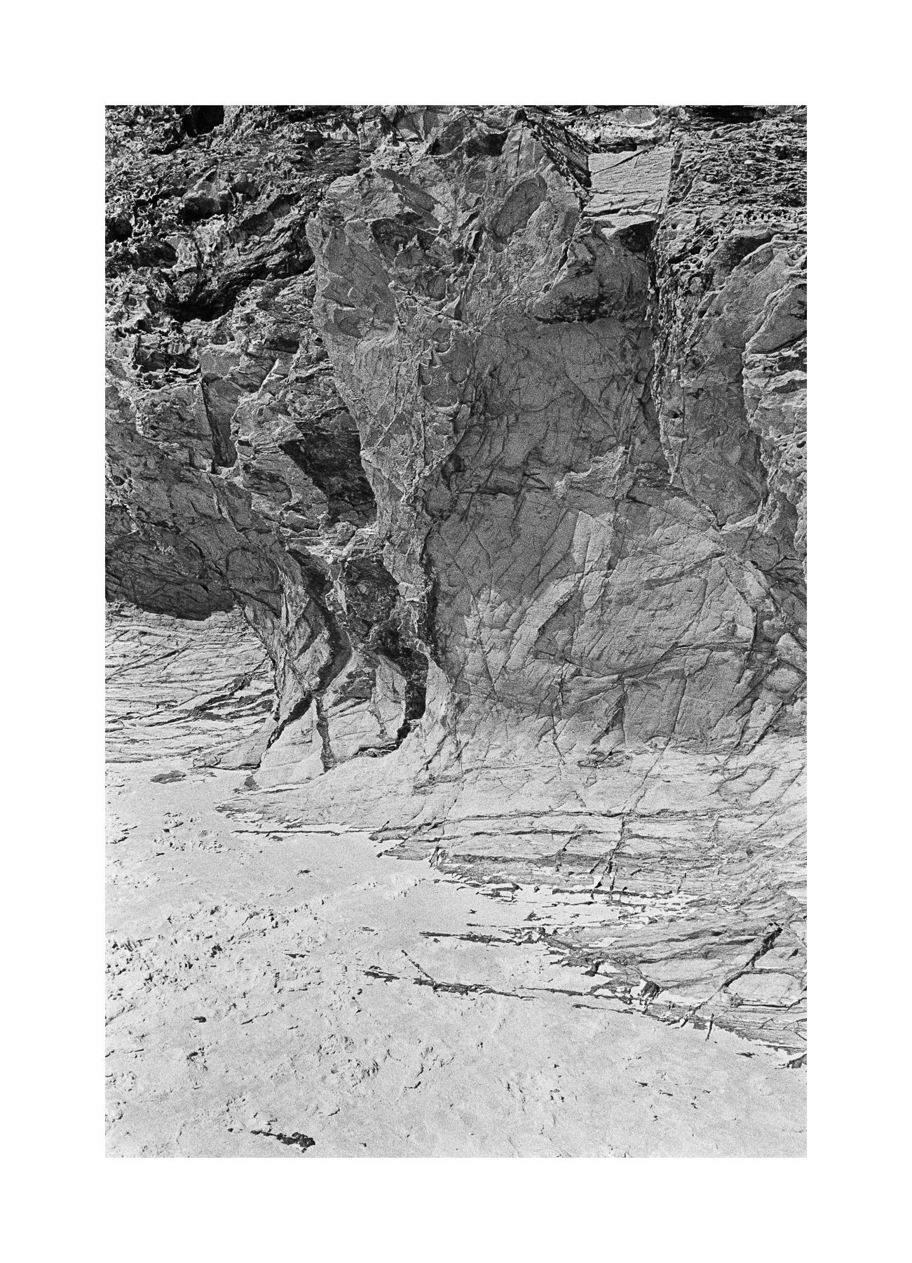 20181103 - Roll 263 - 025-Nick-Bedford,-Photographer-Black and White, Currumbin Rocks, Kodak TRI-X 400, Leica M7, Seascape, Voigtlander 35mm F1.7.jpg