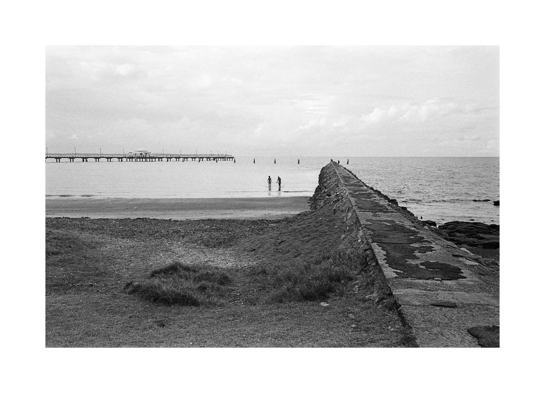 2018106 - Roll 252 - 030-Nick-Bedford,-Photographer-Black and White, Kodak TRI-X 400, Landscape Photography, Leica M7, Seascape, Shorncliffe, Voigtlander 35mm F1.7.jpg