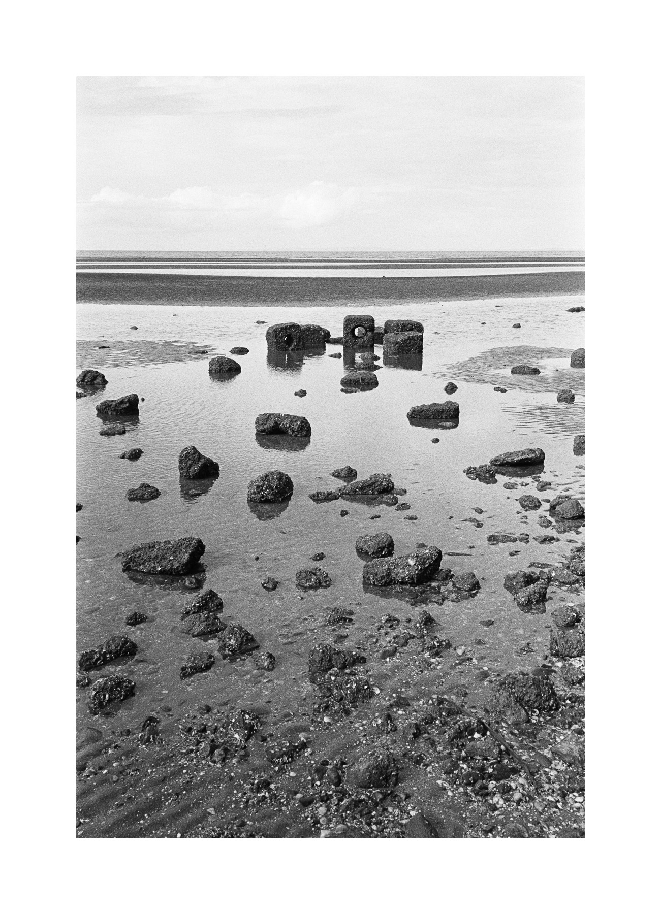 2018106 - Roll 252 - 018-Nick-Bedford,-Photographer-Black and White, Kodak TRI-X 400, Landscape Photography, Leica M7, Seascape, Shorncliffe, Voigtlander 35mm F1.7.jpg