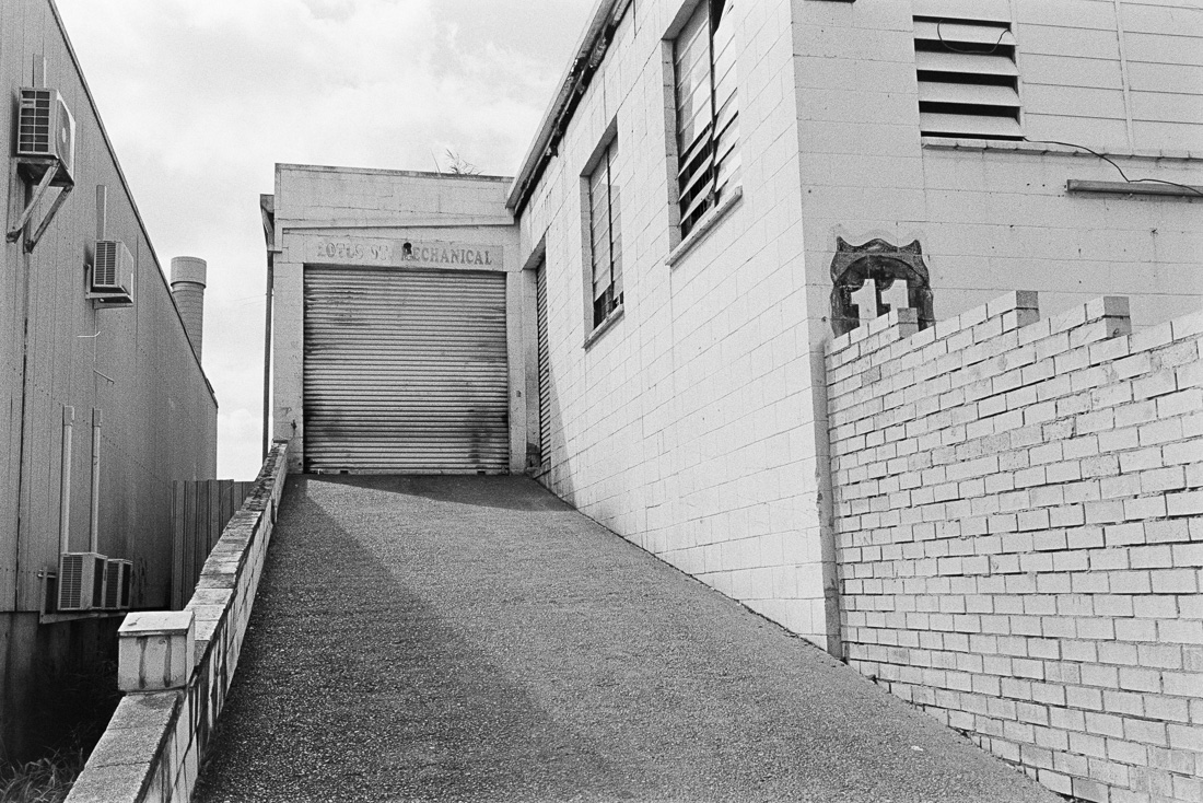 20190105 - Roll 269 - 022-Nick-Bedford,-Photographer-Black and White, Brisbane, Kodak TRI-X 400, Leica M7, Street Photography, Voigtlander 35mm F1.7.jpg