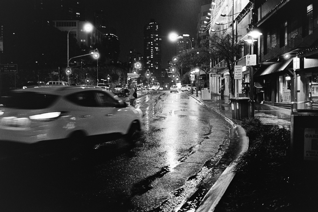 20181015+-+Roll+256+-+014-Nick-Bedford,-Photographer-Black+and+White,+Brisbane+City,+Kodak+TRI-X+400,+Leica+M7,+Street+Photography,+Voigtlander+35mm+F1.7.jpg