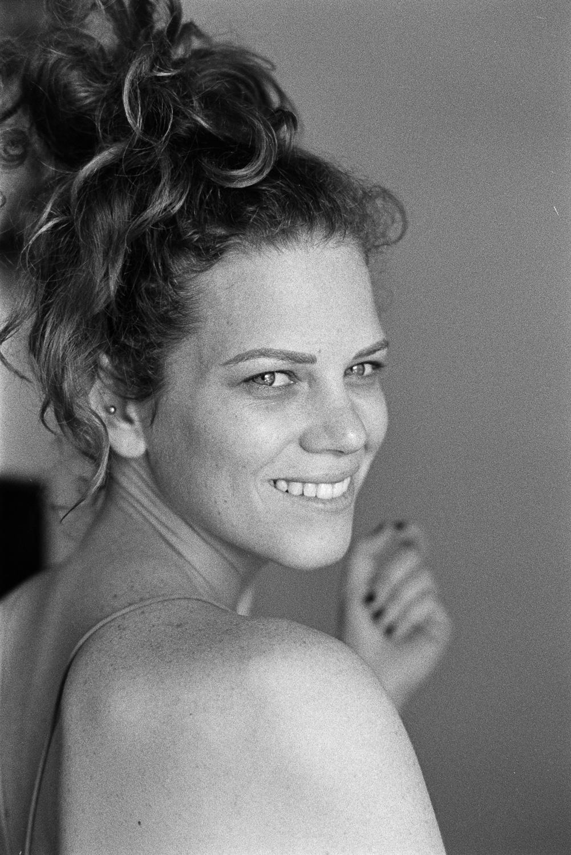 20181027+-+Roll+260+-+036-Nick-Bedford,-Photographer-Black+and+White,+Kodak+TRI-X+400,+Lauren+Fenwick,+Leica+M7,+Portrait,+Voigtlander+35mm+F1.7+Ultron.jpg
