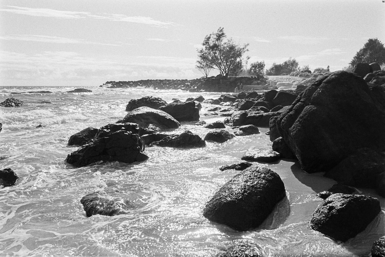 20190310 - Roll 280 - 035-Nick-Bedford,-Photographer-Beach, Black and White, Kirra, Kodak TRI-X 400, Landscape, Leica M7, Voigtlander 28mm F2 Ultron.jpg