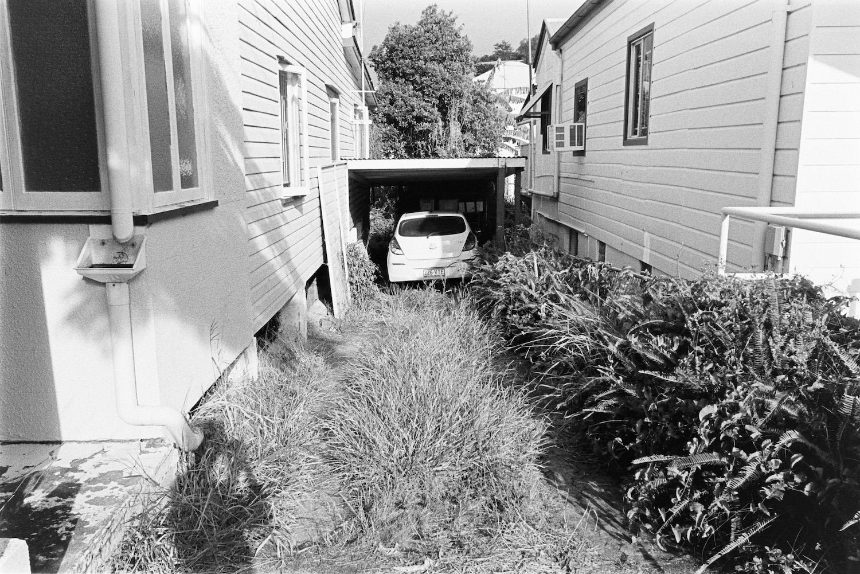 20190310 - Roll 280 - 008-Nick-Bedford,-Photographer-Black and White, Brisbane, Kodak TRI-X 400, Leica M7, Street Photography, Voigtlander 28mm F2 Ultron.jpg