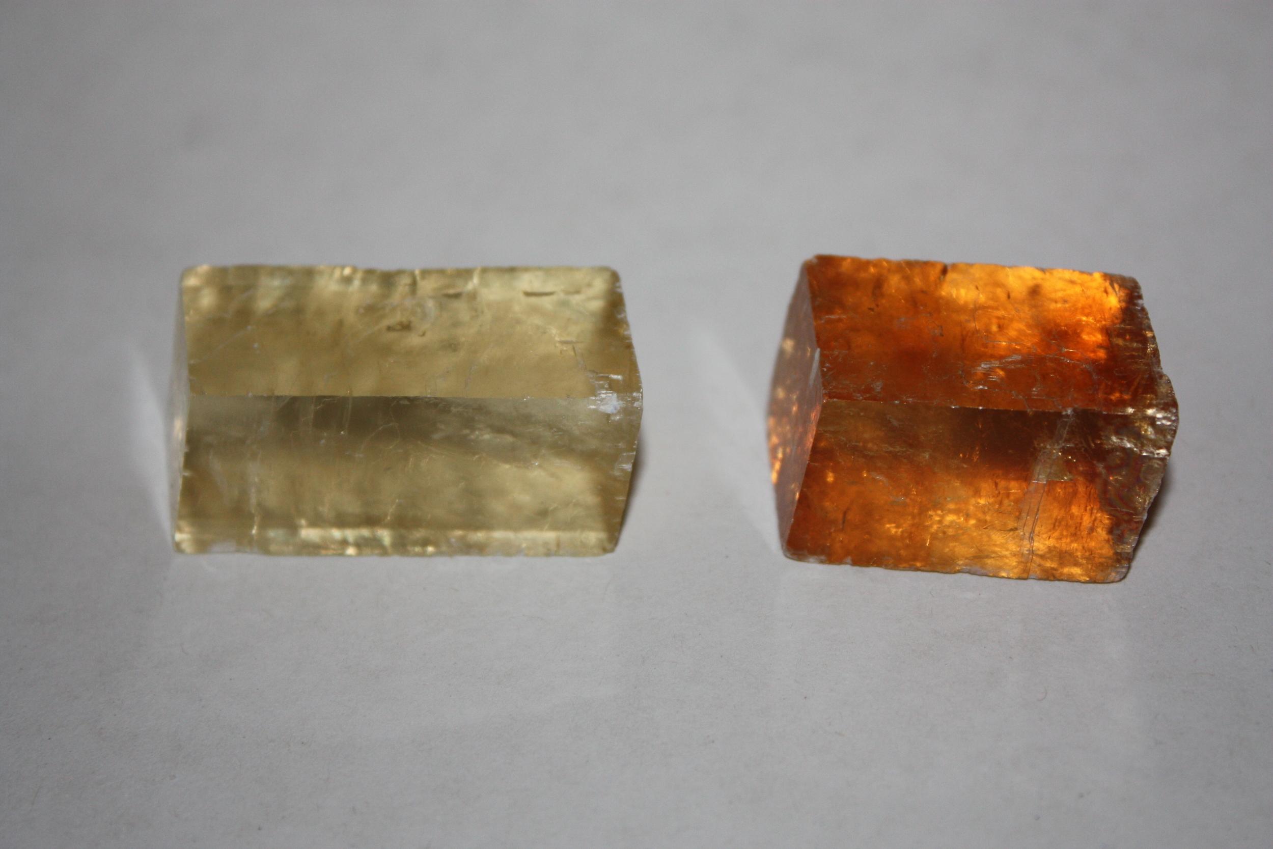 Calcite   (CaCO3)