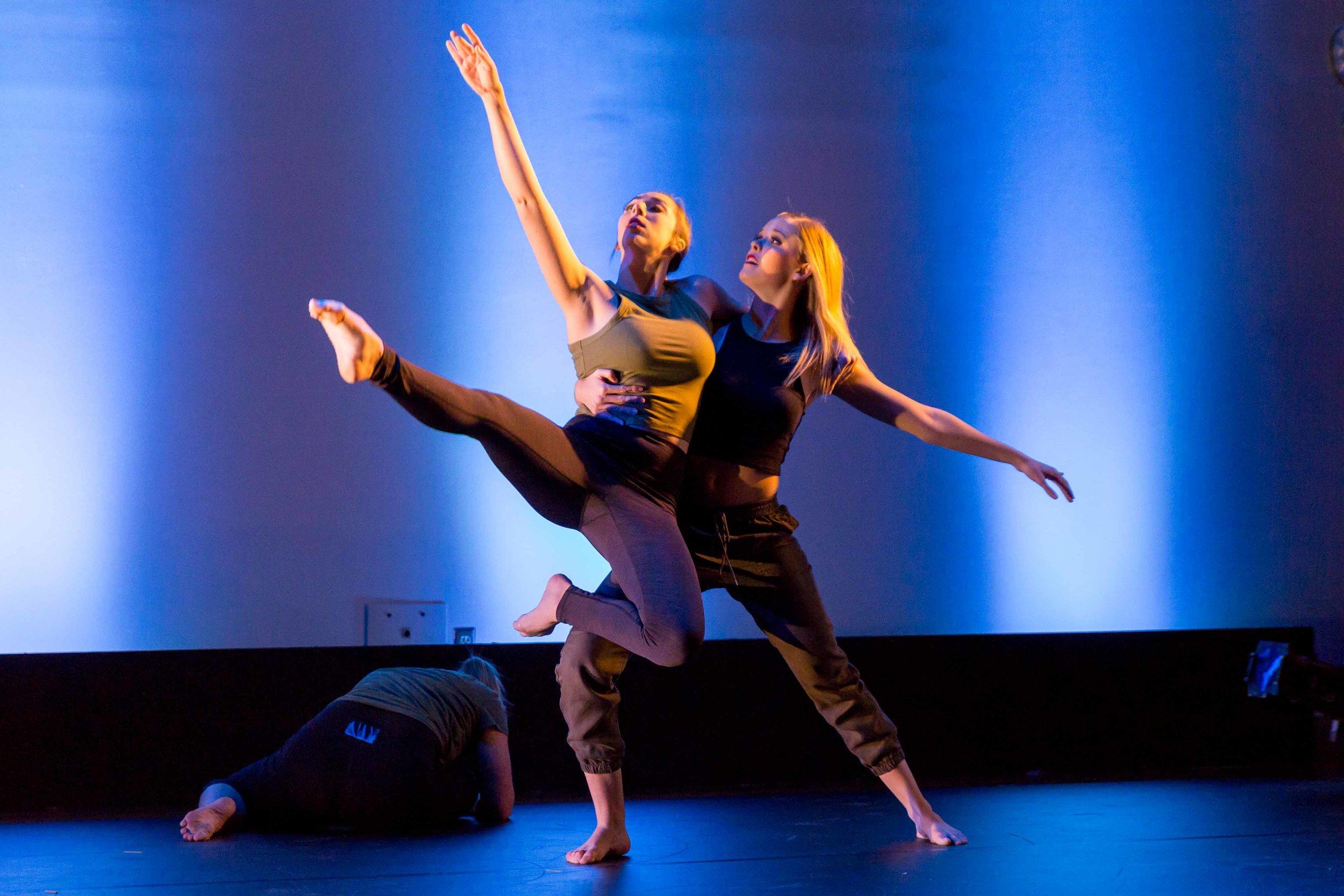 Q1117 Dance Theatre Winter Concert 2016