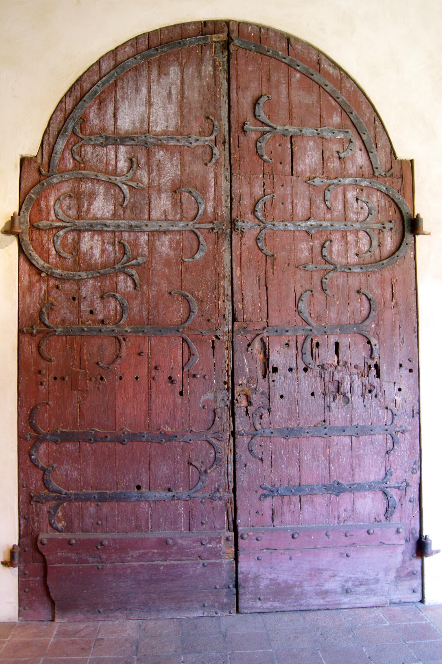 Old door, locking up secrets :O