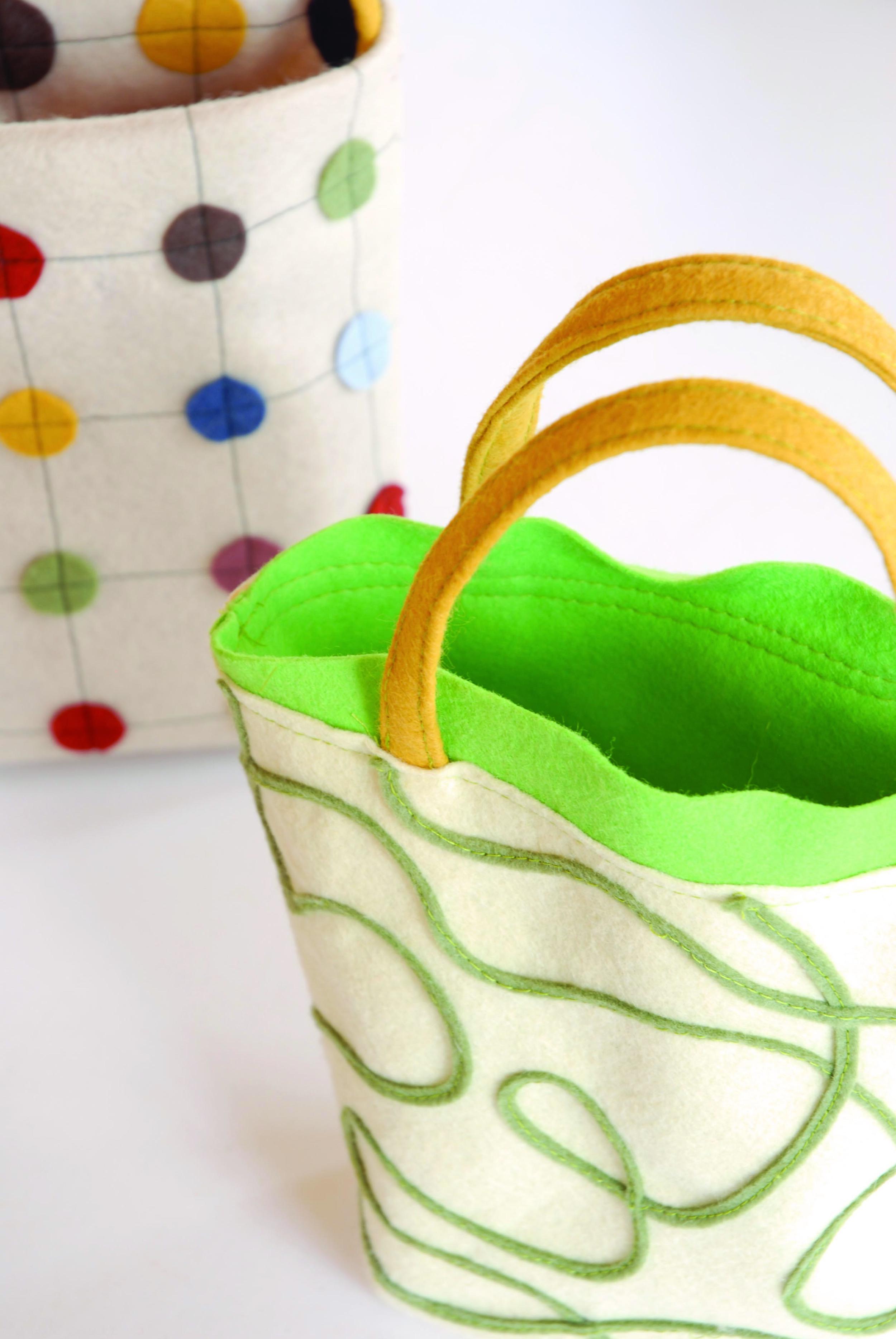 squiggly bag top handle close.jpg