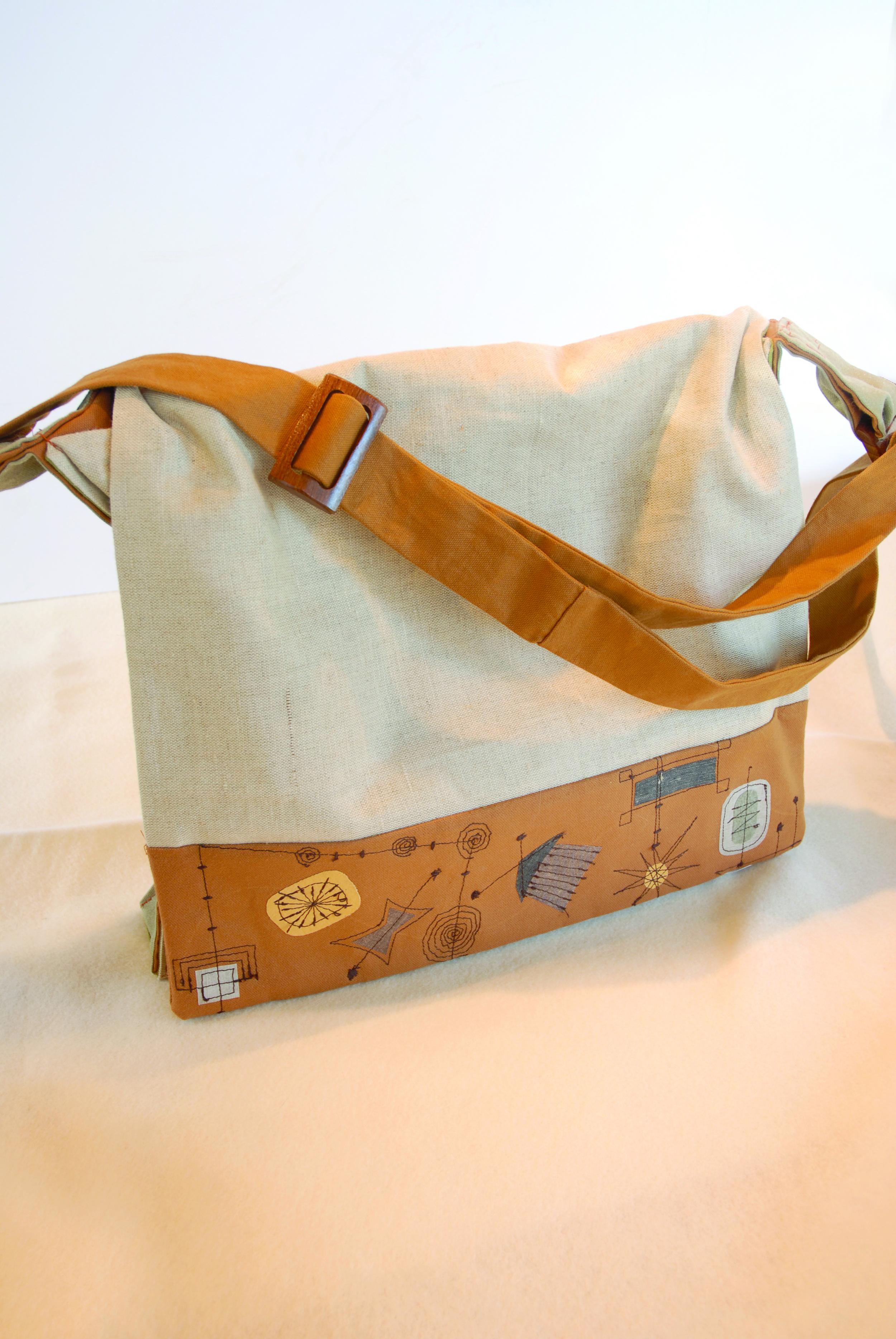 retro bag sitting diagonal strap.jpg