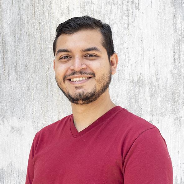 Paulo  es diácono en Iglesia Reforma y sirve a la iglesia coordinando el grupo de jóvenes adultos.