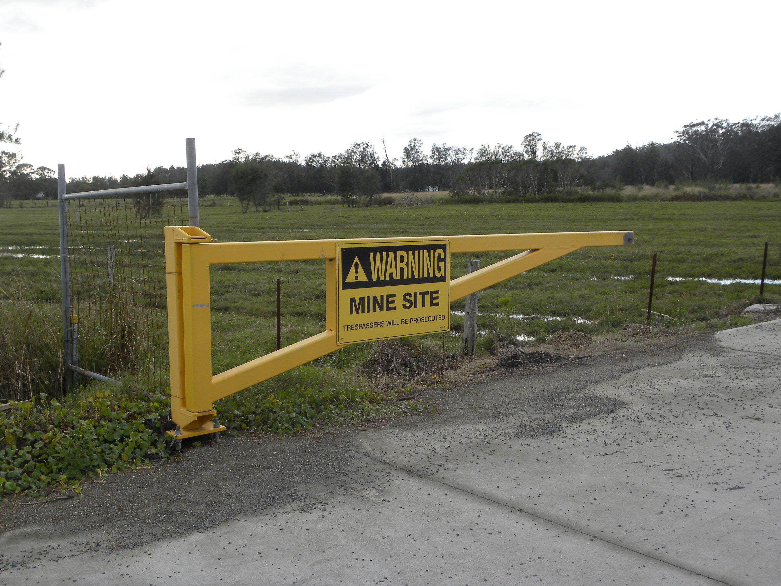 mine site safety sign.JPG