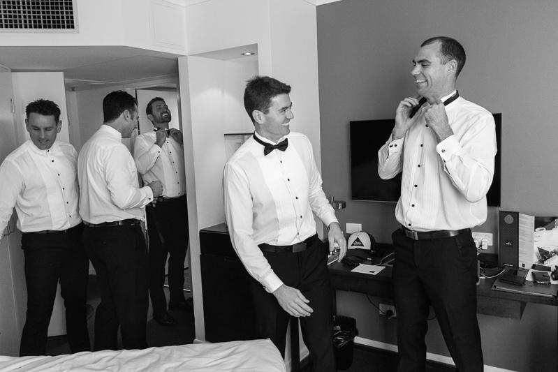 4-Glengariff_wedding_photographer.jpg