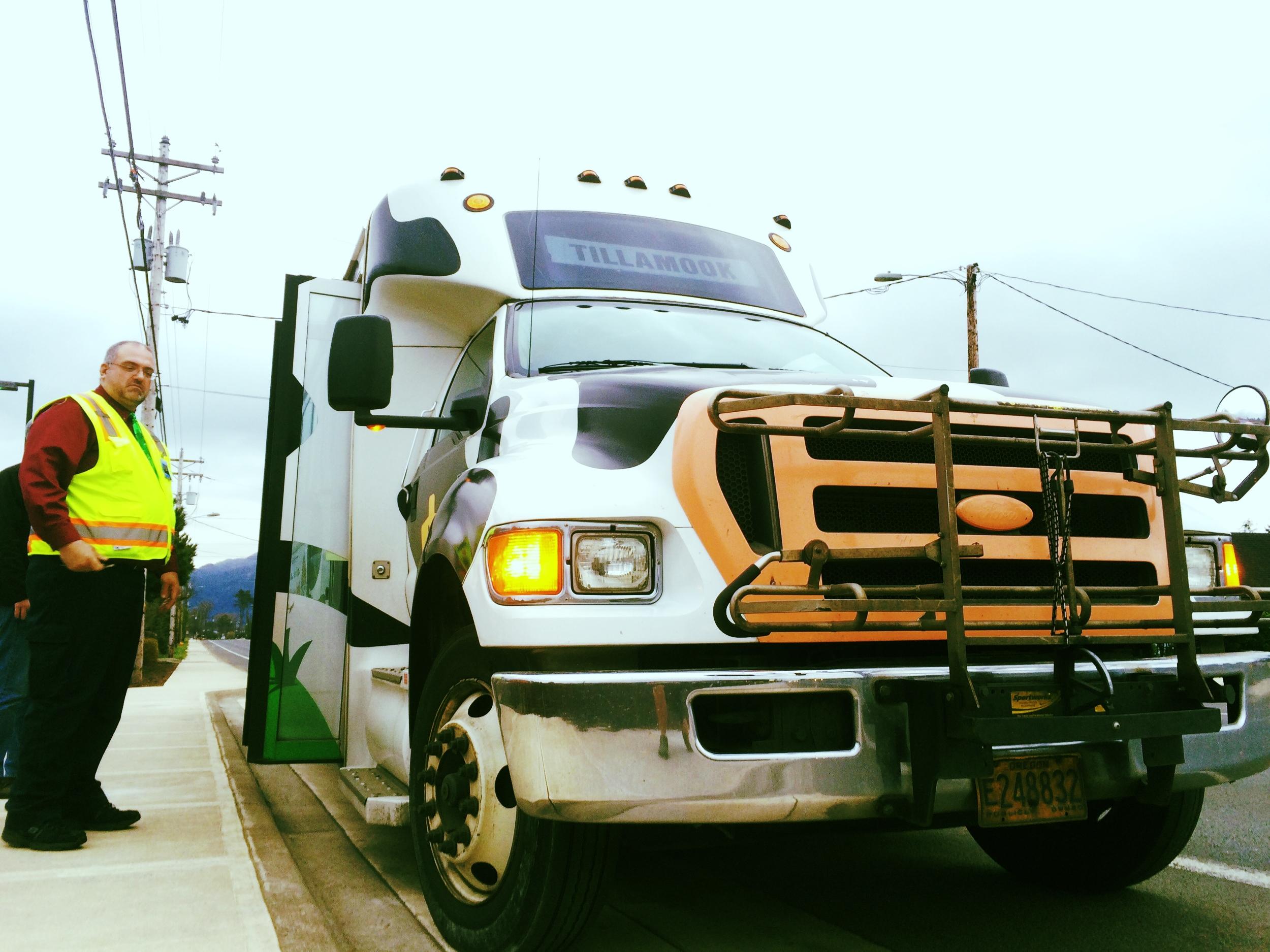 Tillamook.bus.driver.jpg