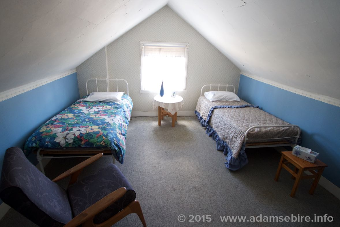 Attic bedroom 2 (two single beds)