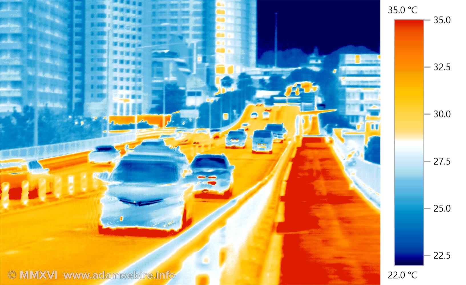 Urban heat island — thermal image of a road (IR001528)