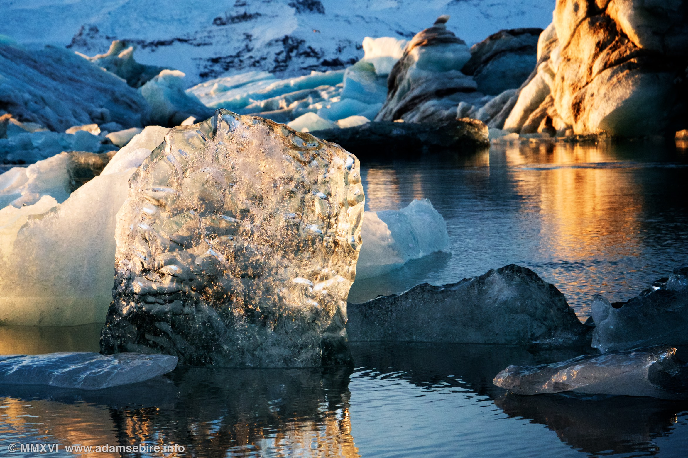 Jökulsárlón glacier lagoon Iceland — global warming and ice melting