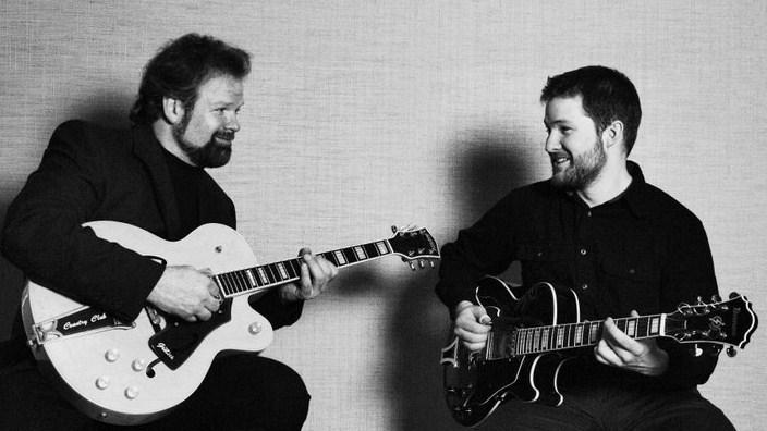younce-guitar-duo.jpg