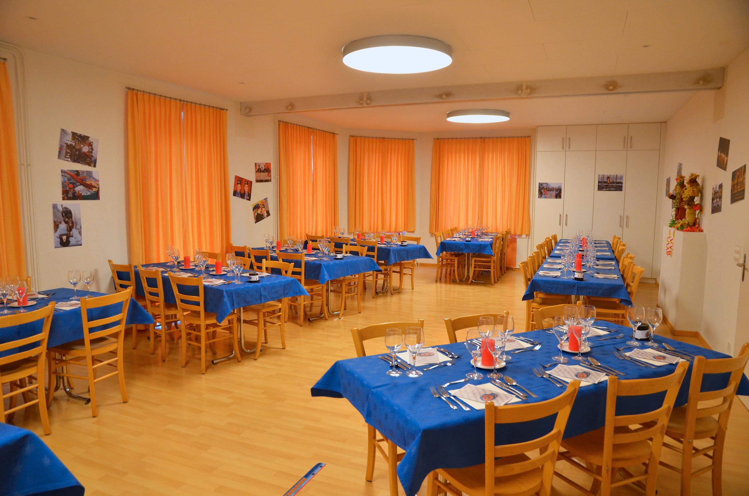 Der Saal für Konferenzen und Bankette.
