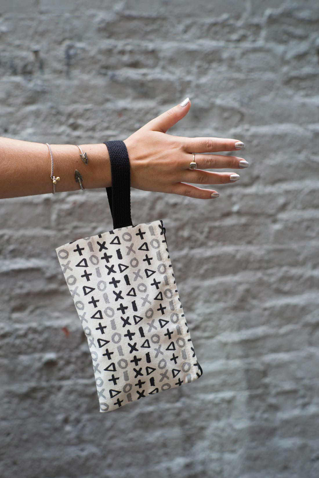 the wristlet in plus one (also available in rose gold / pale pink! I know!)