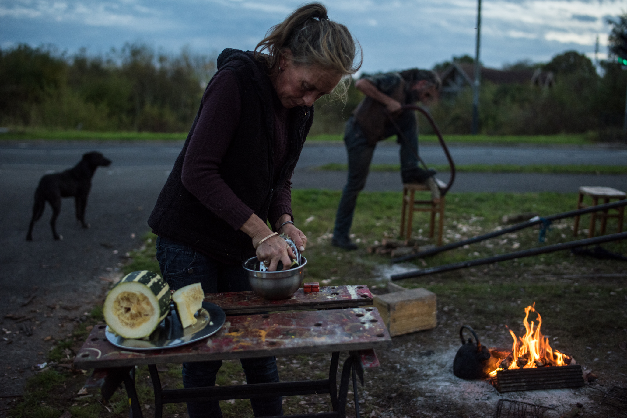 Cooking and Sawing Wood For The Fire. Stratford-upon-Avon, England, 2017