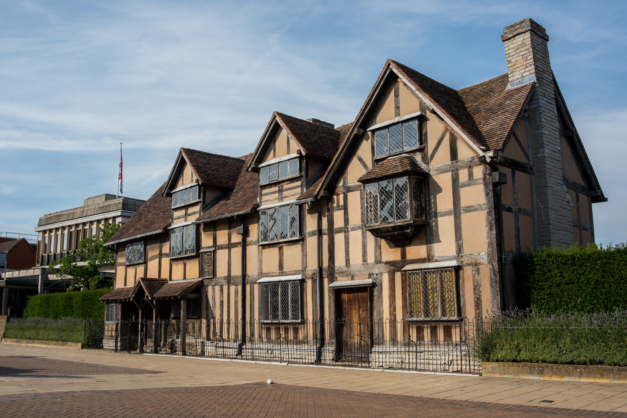 Living With History - Life in Stratford-upon-Avon