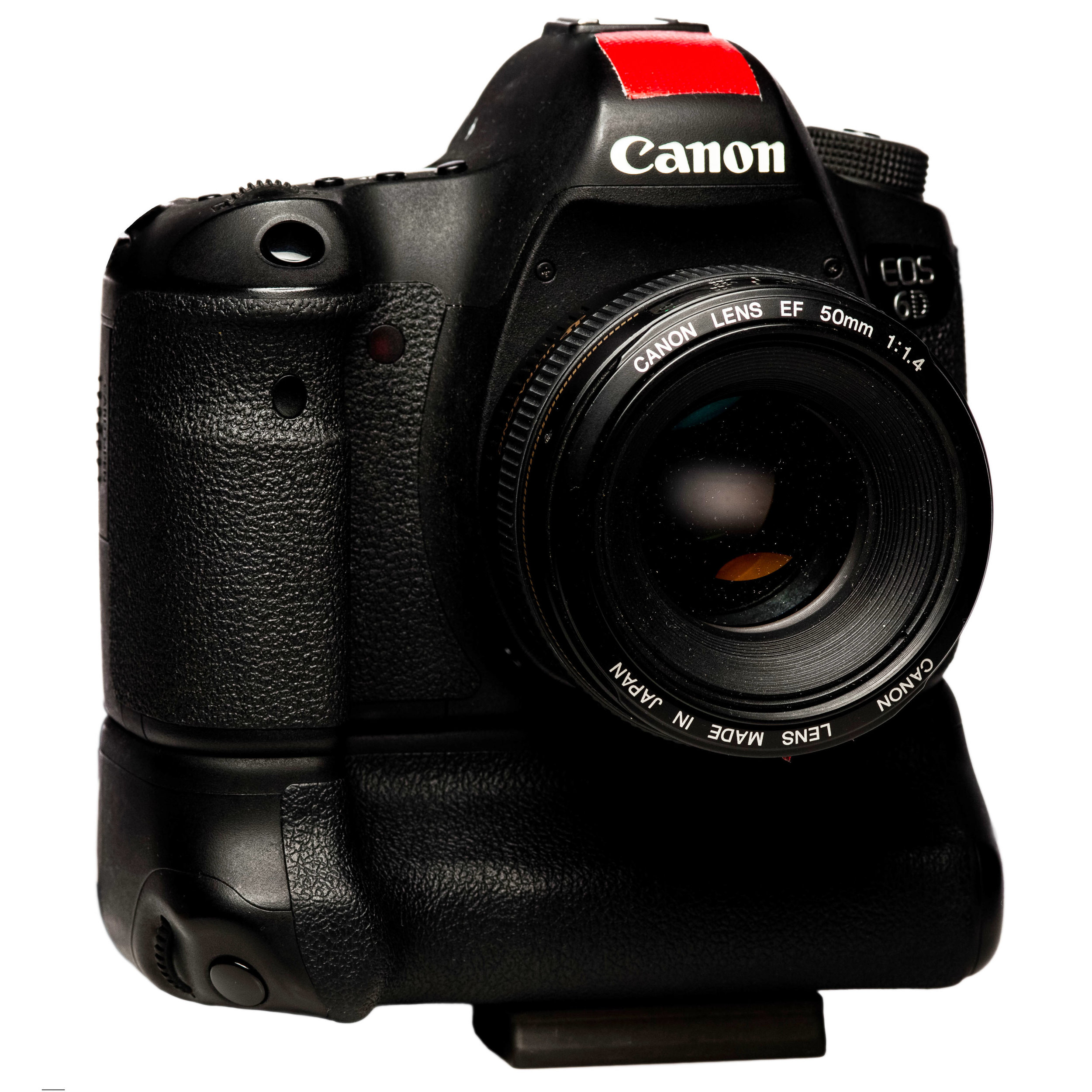 The original 6D for me was the ultimate press photographers tool. It had great low light quality, wireles LAN integrated and many similarities to the wonderfull 5D Mark II. 5 years later the 6D Mark II was expected to be a big leap forward but it failed for many photographers.