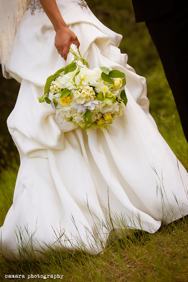 cream yellow bridal bouquet.jpg