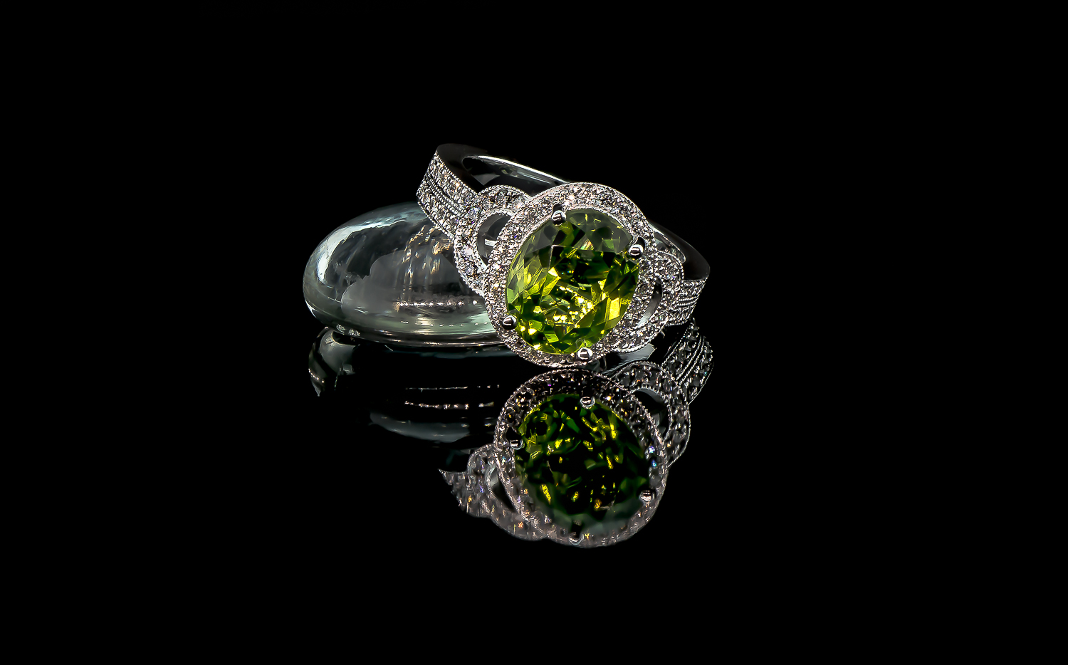 kyla peridot ring (6 of 7).JPG