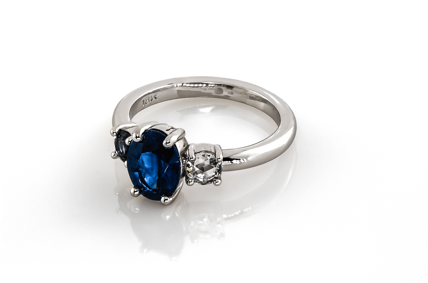 austin private jewelers lawson sapphire ring perspective.jpg