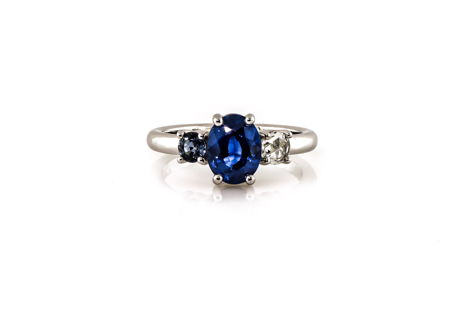 austin private jewelers lawson sapphire ring head on.jpg
